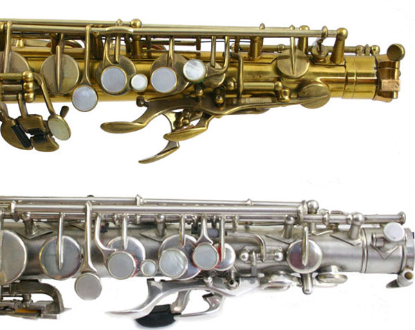 side by side comparison of a Selmer style and a Conn style